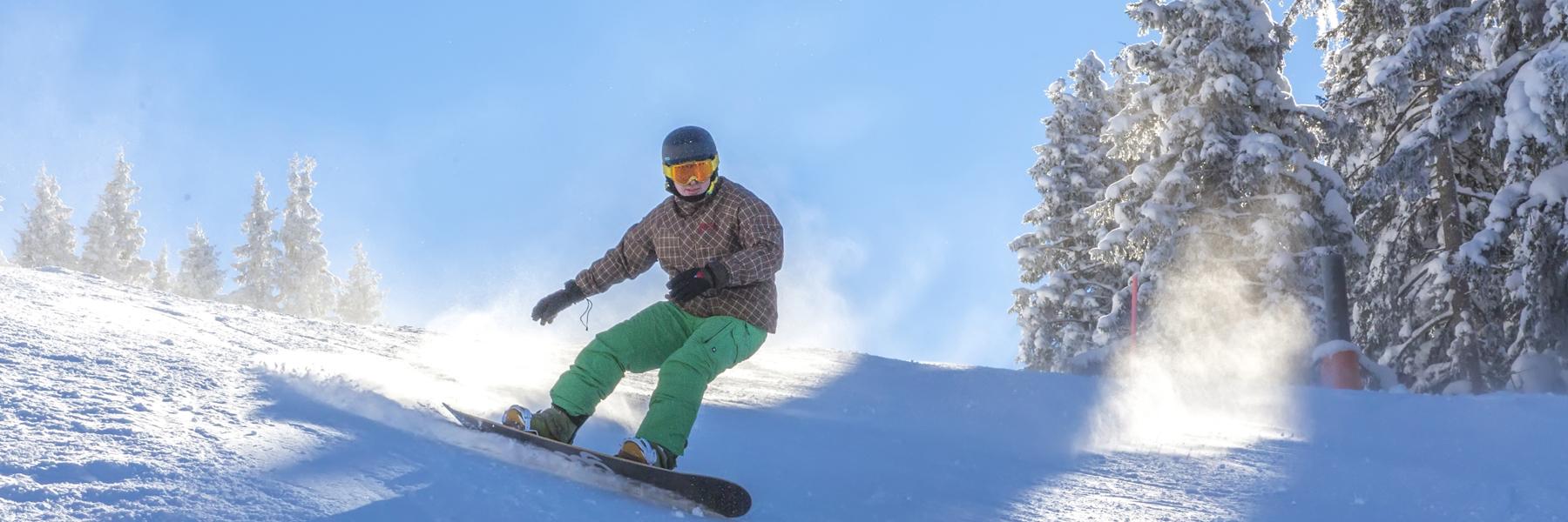 Snowboarden auf der Steinplatte